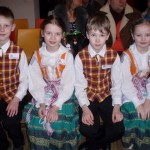 """Sveikiname 1c klasės mokinius – respublikinių moksleivių folklorinių šokių varžytuvių """"Patrepsynė 2013″ nominantus."""