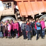 Rugsėjo 26 dieną 2b, 4d ir 4c klasių mokiniai vyko į  pažintinę  kelionę  Papilė – Karpėnų karjerai – Kamanų rezervatas.