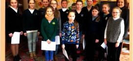 4a klasės mokinė Raminta Bernotavičiūtė – miesto pradinių klasių mažojo nacionalinio diktanto I vietos laimėtoja
