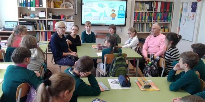 Spalio 9 d. 4C klasėje matematikos pamoką vedė Danutė Kiseliova ir Arkadijus Kiseliovas