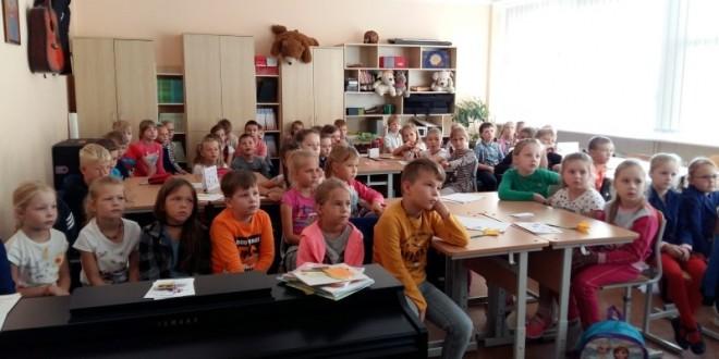 Pirmokus aplankė Šiaulių miesto policijos komisariato bendruomenės pareigūnas