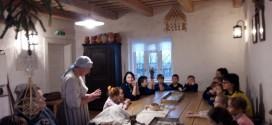 1 inžinierinės klasės mokiniai kartu su tėveliais lankėsi Žaliūkių malūnininko sodyboje