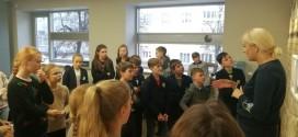 """5k klasės mokiniai dalyvavo edukacinėje programoje """"Fotograma – šešėlinio vaizdo drama"""""""