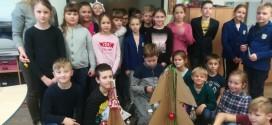 """Lapkričio 31 – gruodžio 21 dienomis 3a ir 3b klasėse vyko projektas """"Šimtas Kalėdinių stebuklų""""."""
